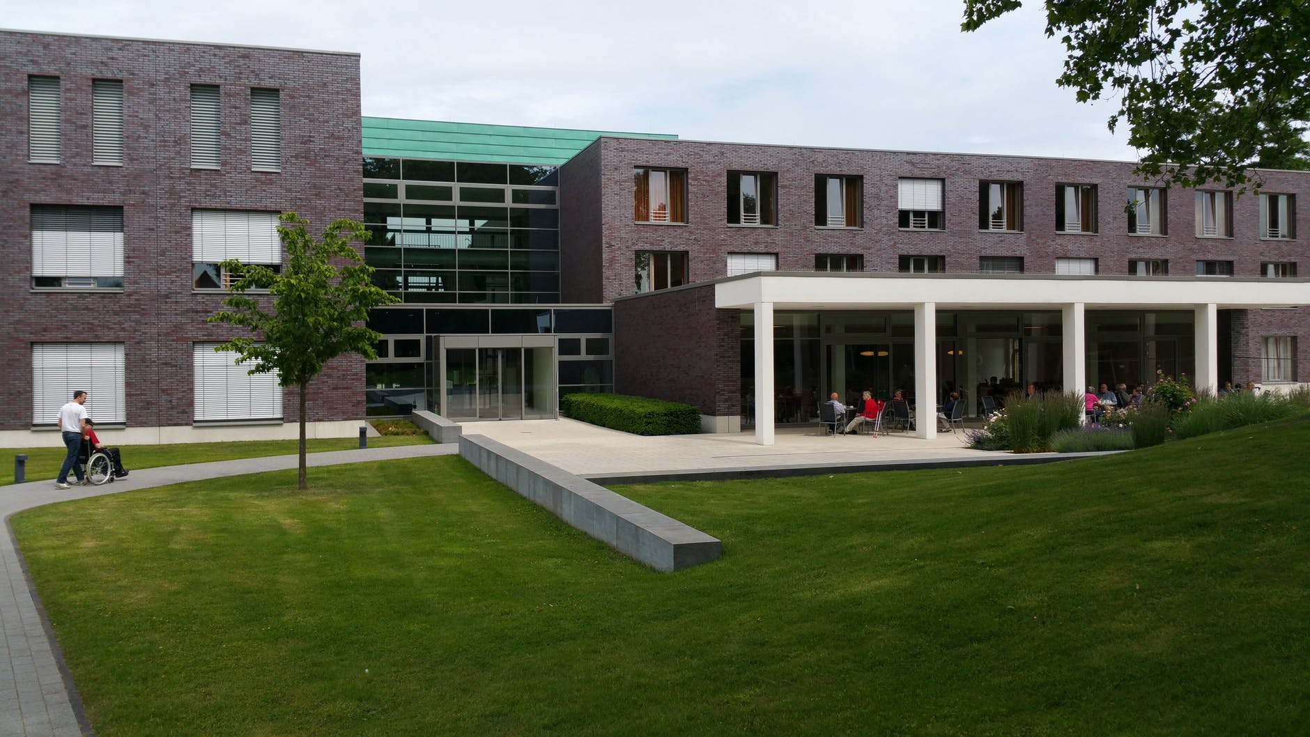architecture buildings center clinic